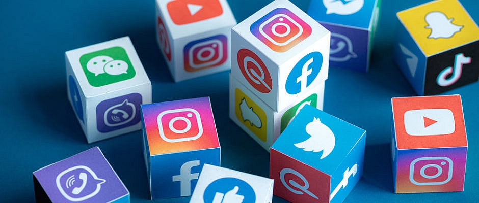 5 Tricks to Become More Popular On Social Media